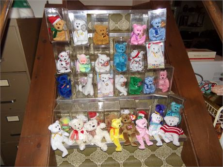 Large lot of TY Beanie Babies