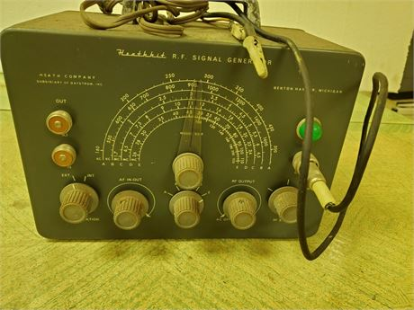 Heathkit R. F. Signal Generator