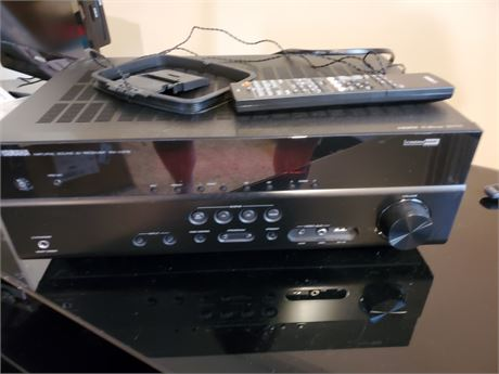 Yamaha Natural Sound AV Reciever Model RX-V375