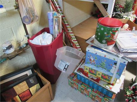 Christmas Wrapping Paper & Boxes