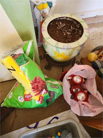 Large Pot and Fertilizer