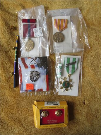 Military Pins & Ribbons