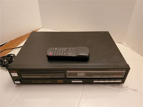 Studio Standard By Fisher Compact Disc Player AD-922