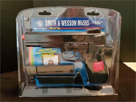 Smith & Wesson M4505 Soft Air Gun NIP