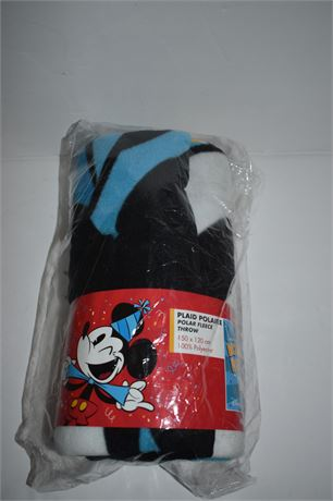 DISNEYLAND PARIS Mickey Mouse Throw NEW IN PACKAGE