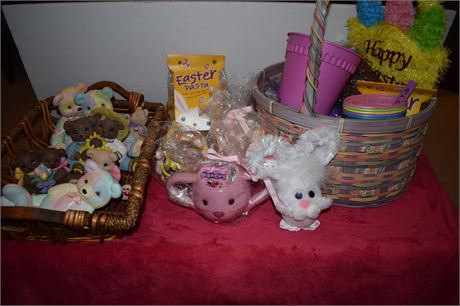 Lot of ceramic bears, Easter baskets and more