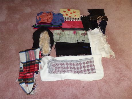 Scarfs and gloves lot