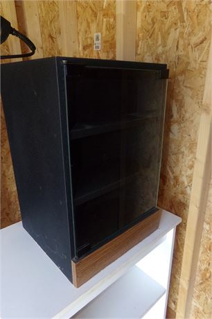 Small display case