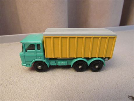 Matchbox No. 47 DAF Tipper Container Truck
