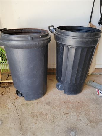 2 Large Garbage Cans. No Lids