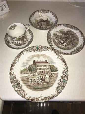 Heritage Hall Service for 8 and many serving pieces