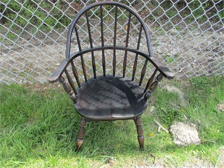 """Vintage Nichols & Stone House of Windsor 26"""" Youth Chair"""