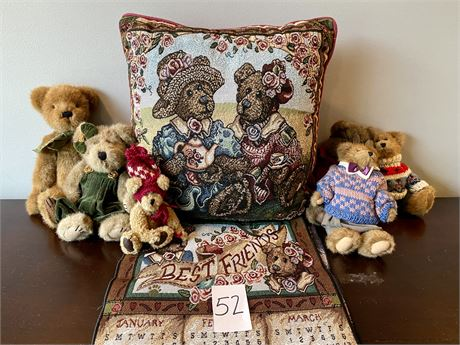 Boyds Bears Pillow, Wall Hanging, and Untagged Bears