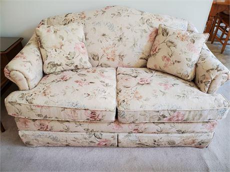 Sofa Express Upholstered Loveseat
