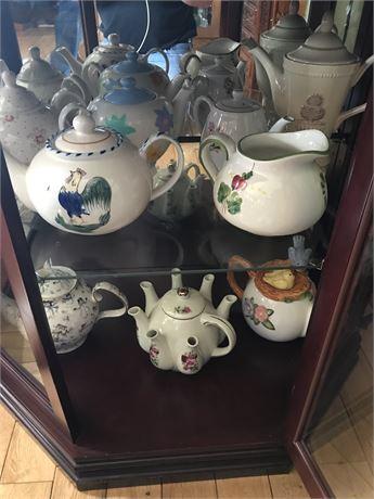 9 Teapots as shown