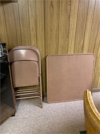 CARD TABLE & METAL FOLDING CHAIRS