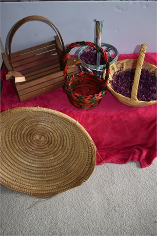 Assorted baskets-Lot of 5-Wood/Woven/Holiday