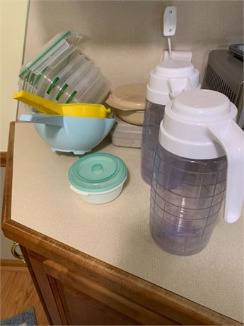 TUPPERWARE CLEAN OUT