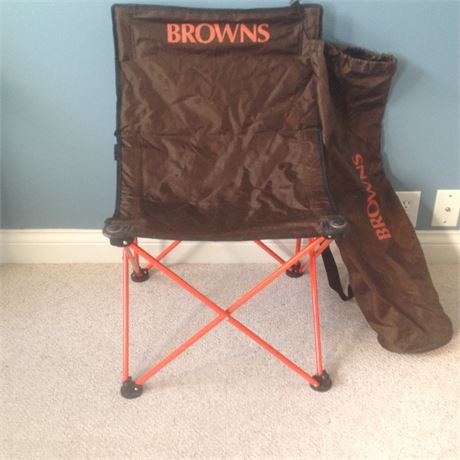 Brown's Folding Chair with Matching Carrier Bag