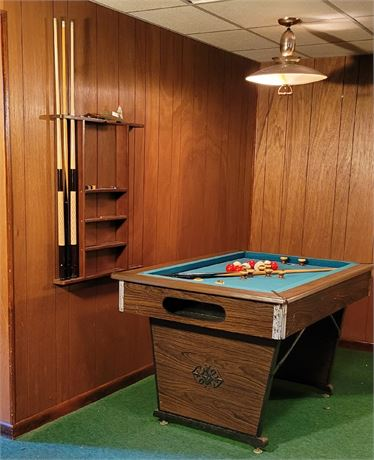 Bumper Pool Table with all the Accessories