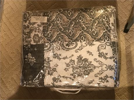 Quilt Set - Appears to be New in Bag